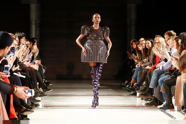 Ejemplo de desfile de moda